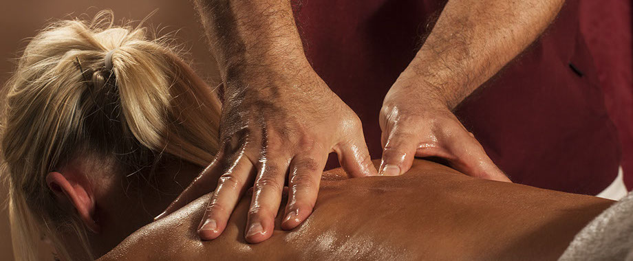 massage_2_frau_anwendung_sanawellness-crop-u7135